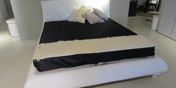Bed Oriente La Falegnami Outlet | Spazio Schiatti dealer