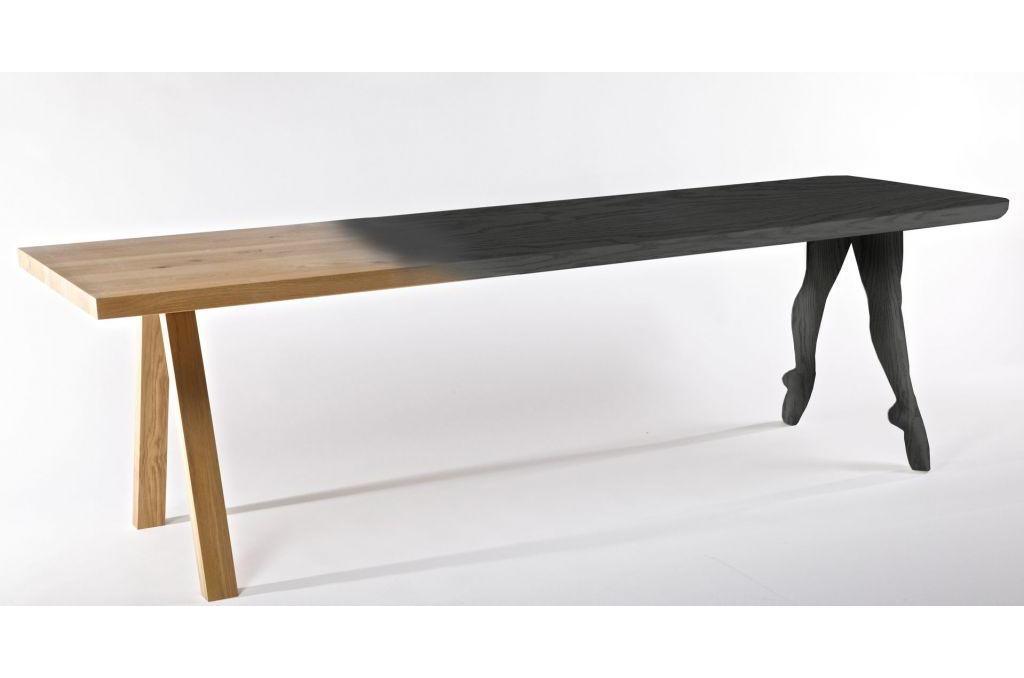 tavolo in punta di piedi riva